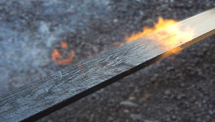 Br u00fbler l'extérieur de sa maison pour la protéger, une techniqueécologique oubliée # Bois Brulé Technique